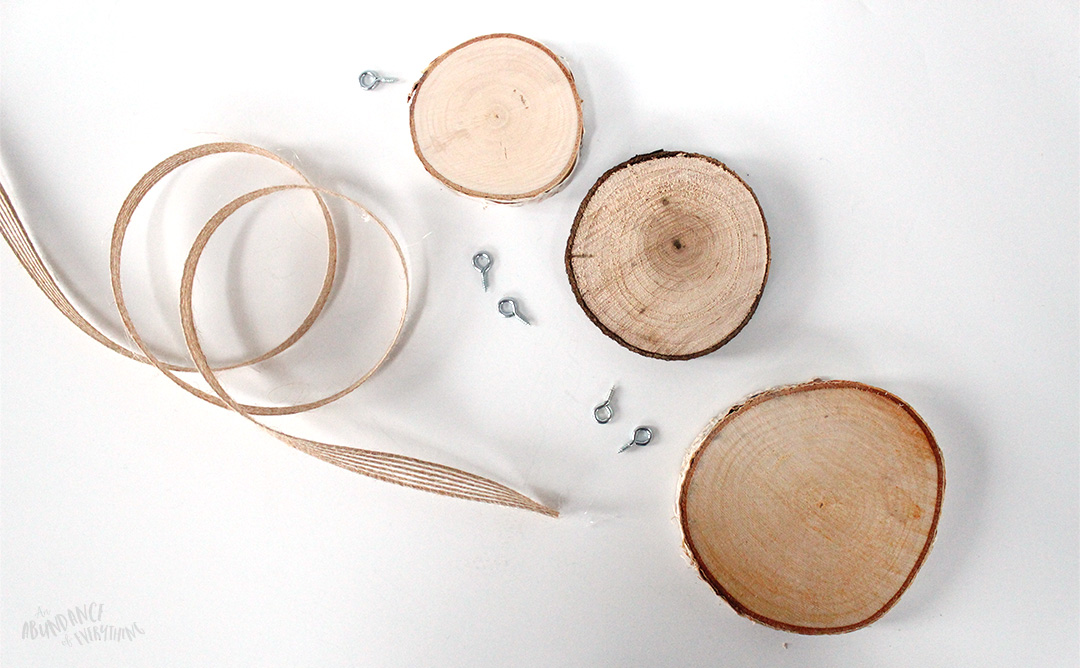 Create your own wood slice snowman ornament - What you will need