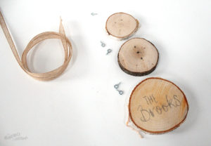 Create your own wood slice snowman ornament - snowman ready for wood burning
